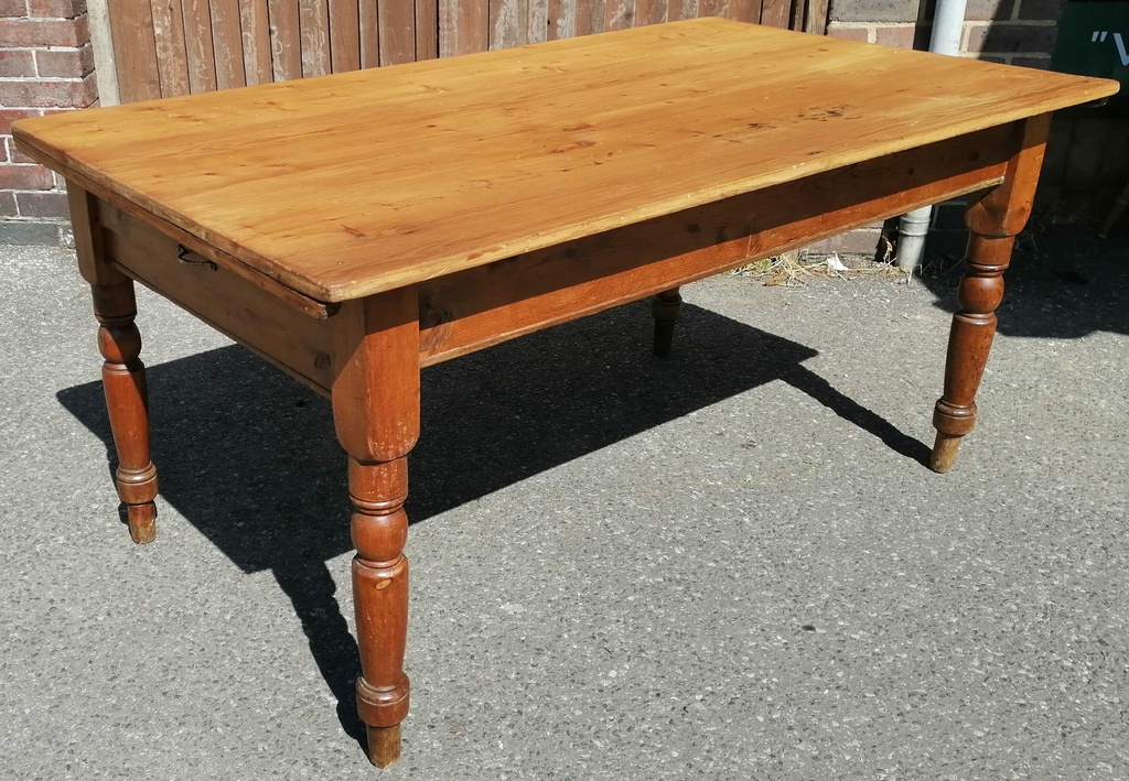 "4ft10"" Pine Table"