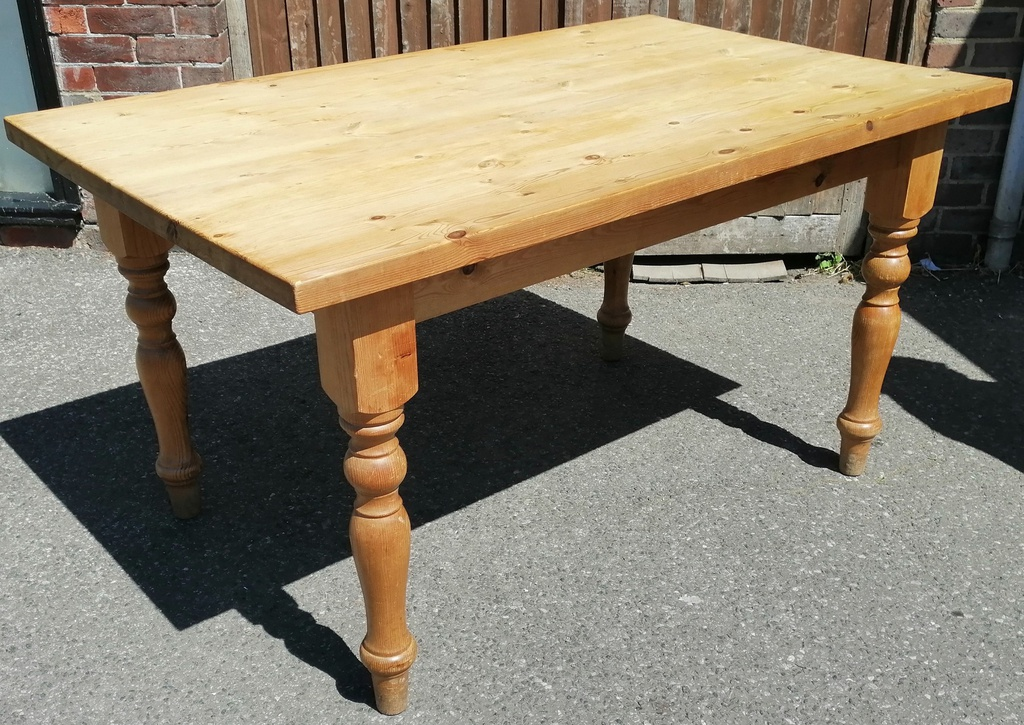 5ft Pine Table