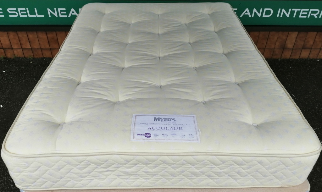 "4ft6"" MYERS 'ACCOLYDE' Mattress"
