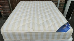 "[19889] 4ft6"" SILENTNIGHT 'Miracoil Supreme' Mattress"